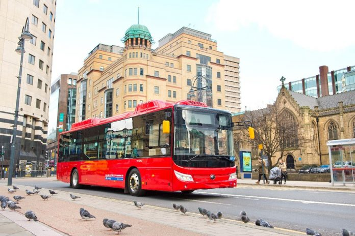 E10 First Bus Yutong Zenobe picture Leeds
