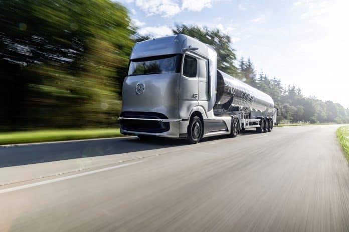 Mercedes-Benz GenH2 Truck long-haul vehicle
